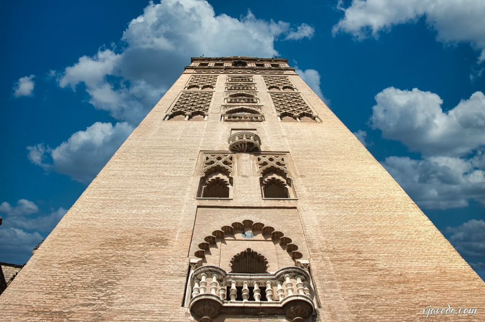 Contrapicado de la Giralda